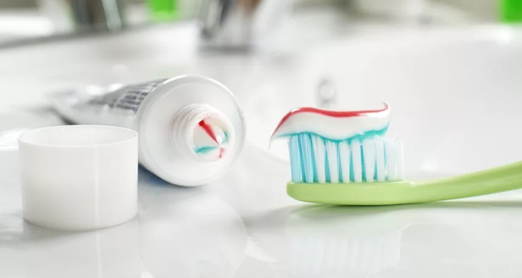 Best Fluoride Free Toothpaste: For Your Optimal Oral Health